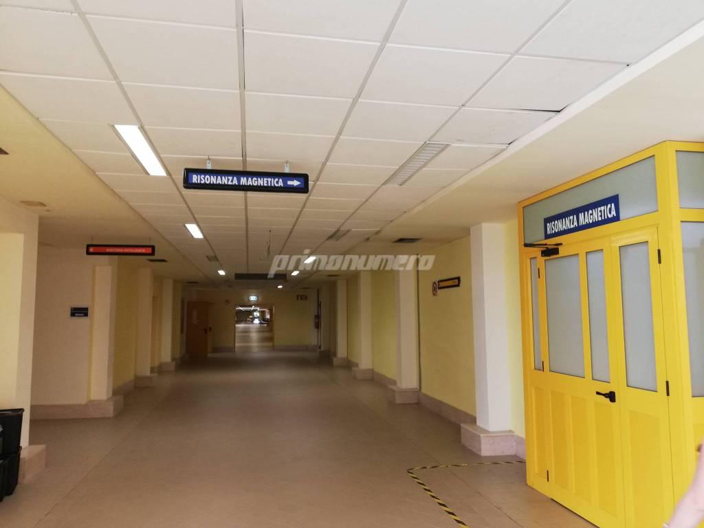 ospedale-san-timoteo-corridoi-reparti-153873