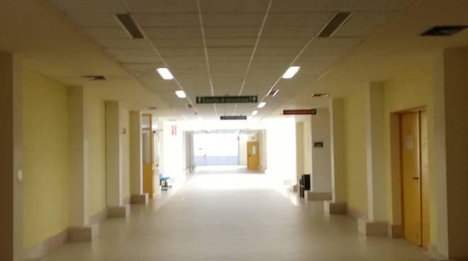 ospedale-san-timoteo-corridoi-reparti-153877