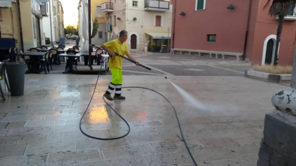lavaggio piazza Oberdan