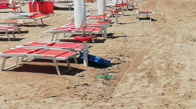spiaggia-sporca-154562