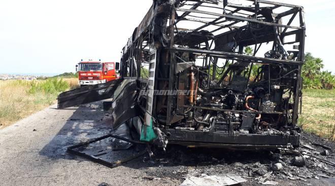 autobus-gtm-in-fiamme-156220