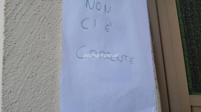 Blackout gruppi elettrogeni e cartelli
