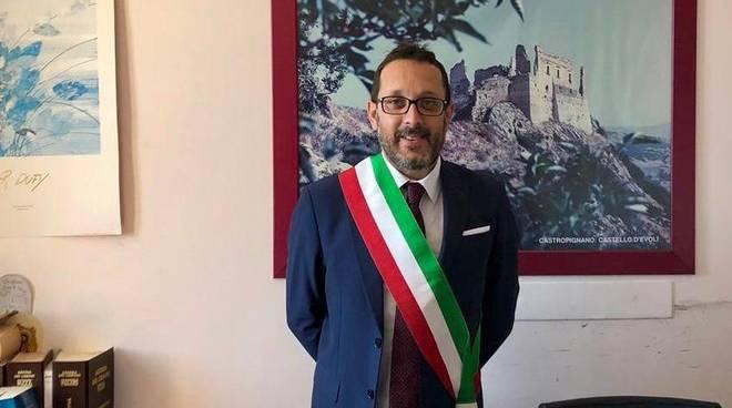 nicola scapillati sindaco di castropignano