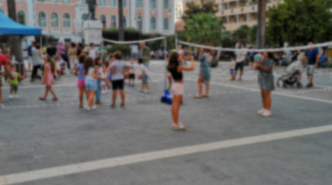 delfina volley in piazza