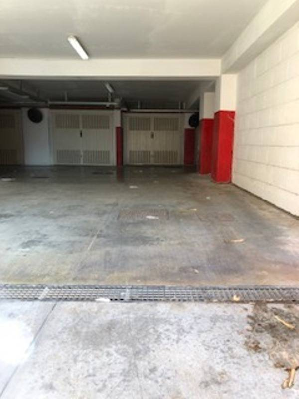 garage-via-asia-degrado-dopo-l-allargamento-158489