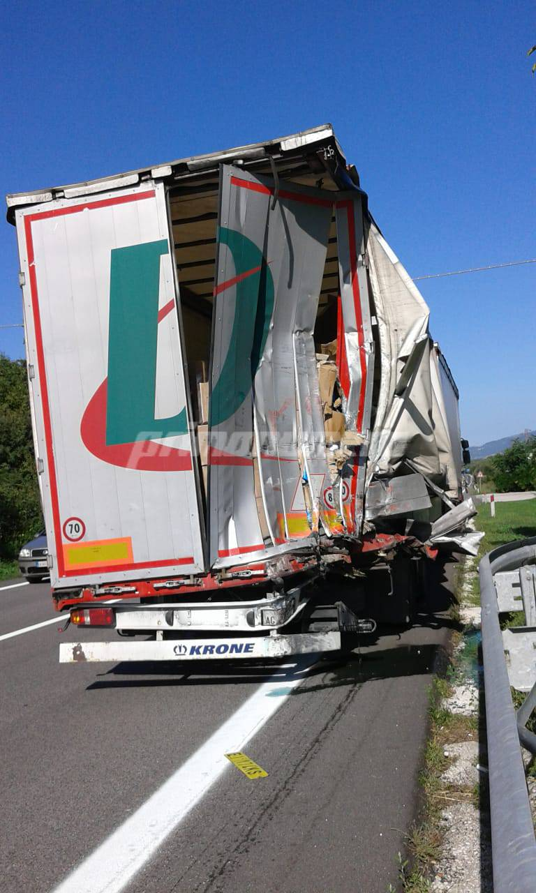 tir incidente statale 17