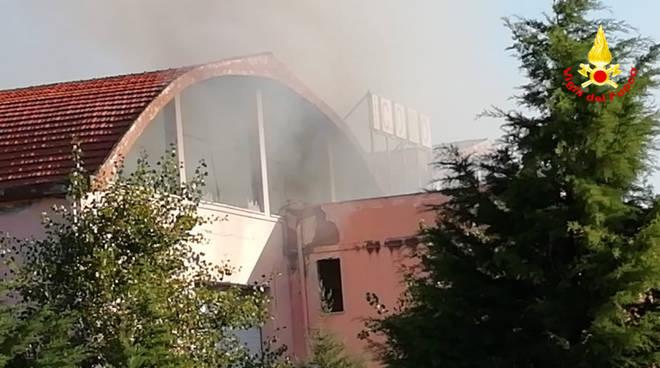 incendio capannone guglionesi