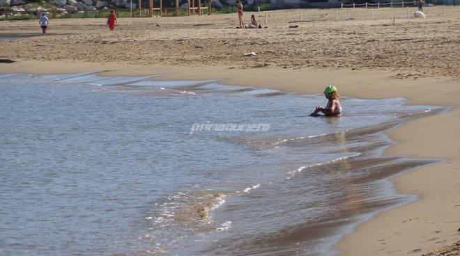 fine-ottobre-con-il-caldo-spiagge-gremite-160932