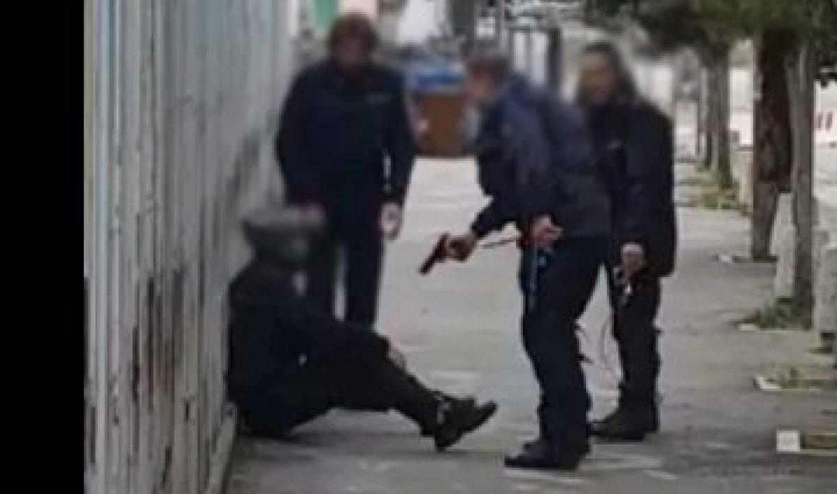 poliziotti contro evaso