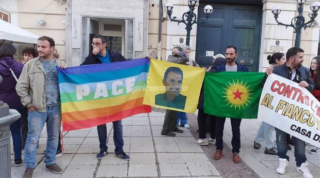 foto-160520Presidio per il popolo curdo a Campobasso