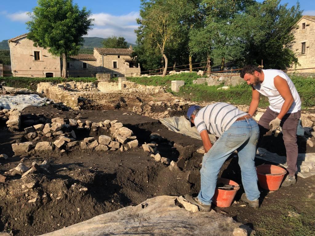 scavi necropoli metanodotto