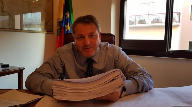 francesco-roberti-ufficio-sindaco-160817