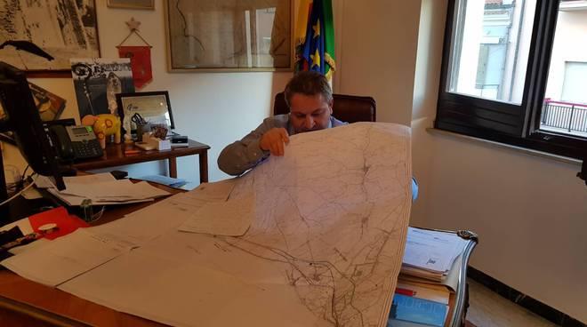 francesco-roberti-ufficio-sindaco-160818