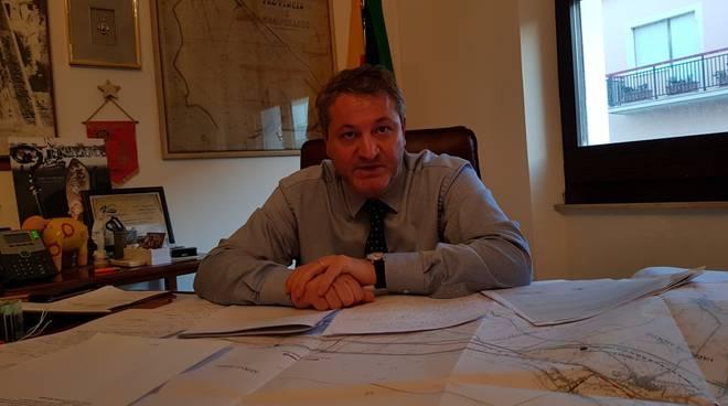francesco-roberti-ufficio-sindaco-160828