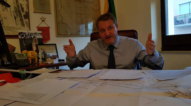 francesco-roberti-ufficio-sindaco-160829