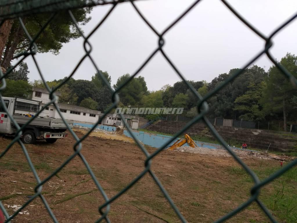 lavori piscina parco