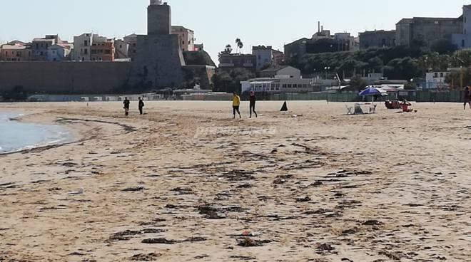 spiaggia-e-mare-a-ottobre-160478