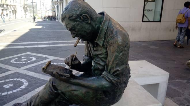statue riparate