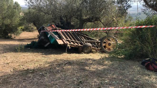 trattore ribaltato guglionesi