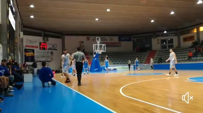 Air contro Airino basket
