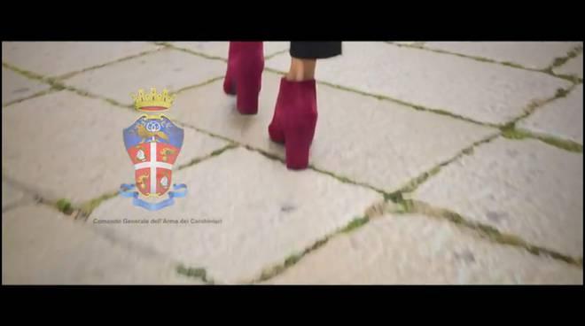 video carabinieri violenza donne