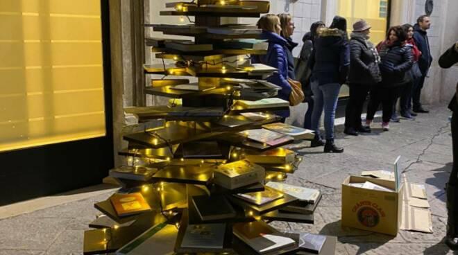 Albero di libri campomarino