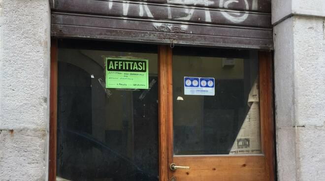 crisi commercio campobasso negozi chiusi