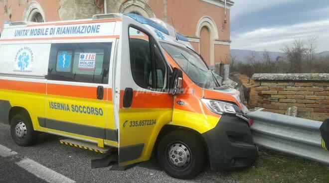 ambulanza schianto