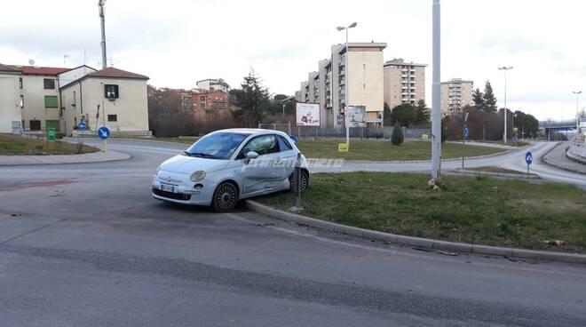 Auto rotonda Campobasso
