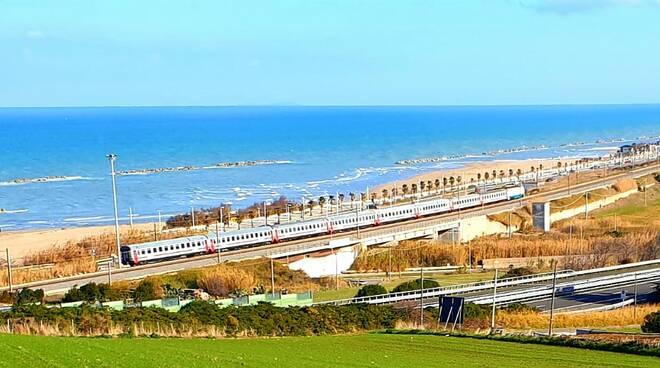 treno mare termoli