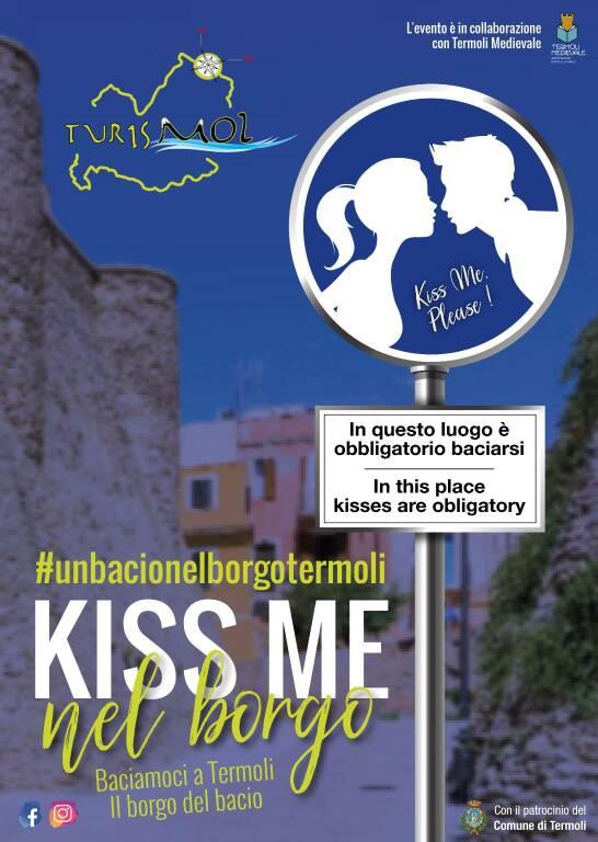un bacio nel borgo termoli