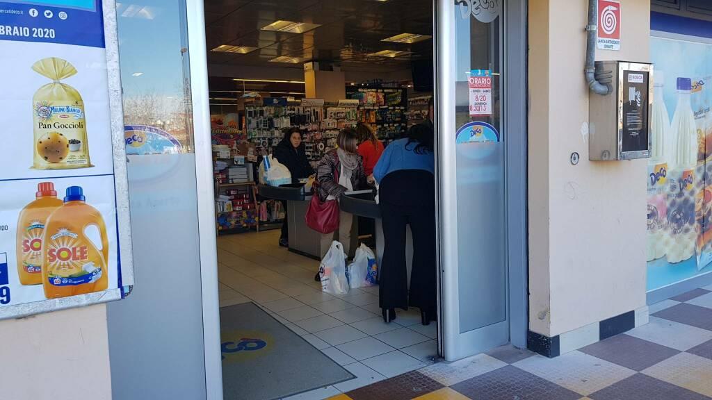 Assalto farmacie e supermercati coronavirus