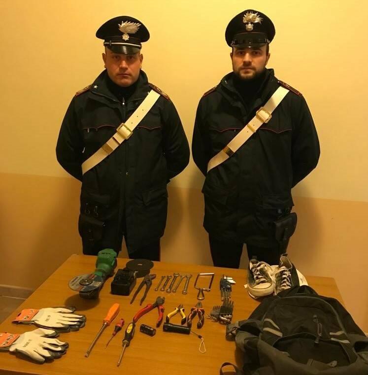 audi nera furti carabinieri
