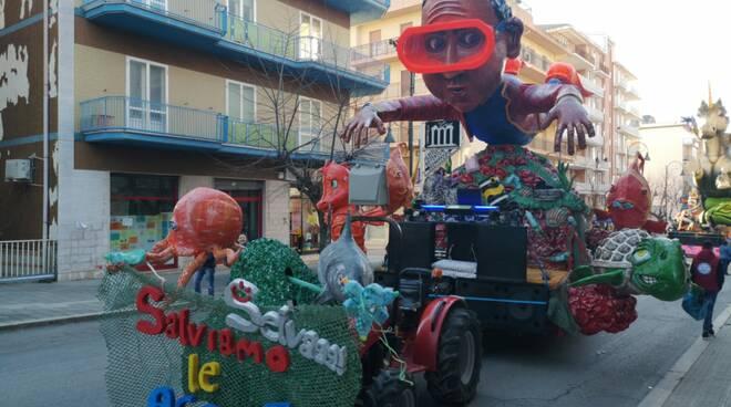Carnevale larino carri anteprima