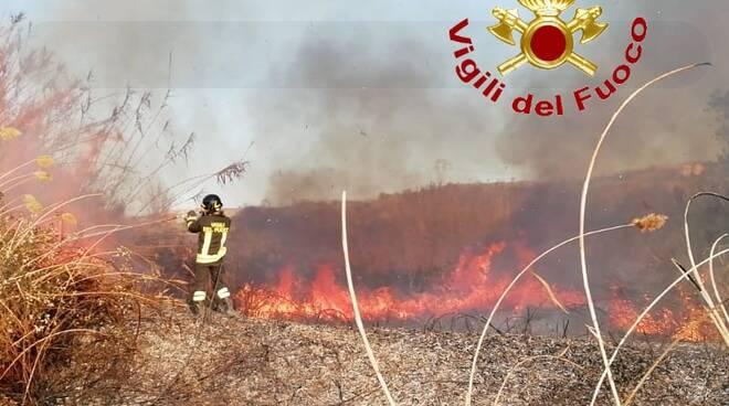 vigili incendio vicino zuccherificio