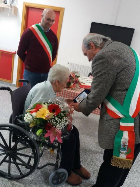 zia isolina centenaria