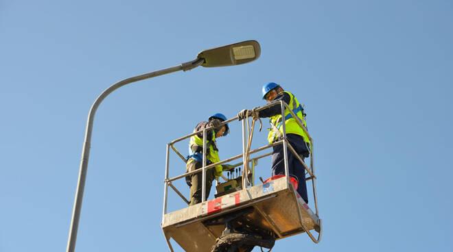 lavori pubblica illuminazione termoli lampioni