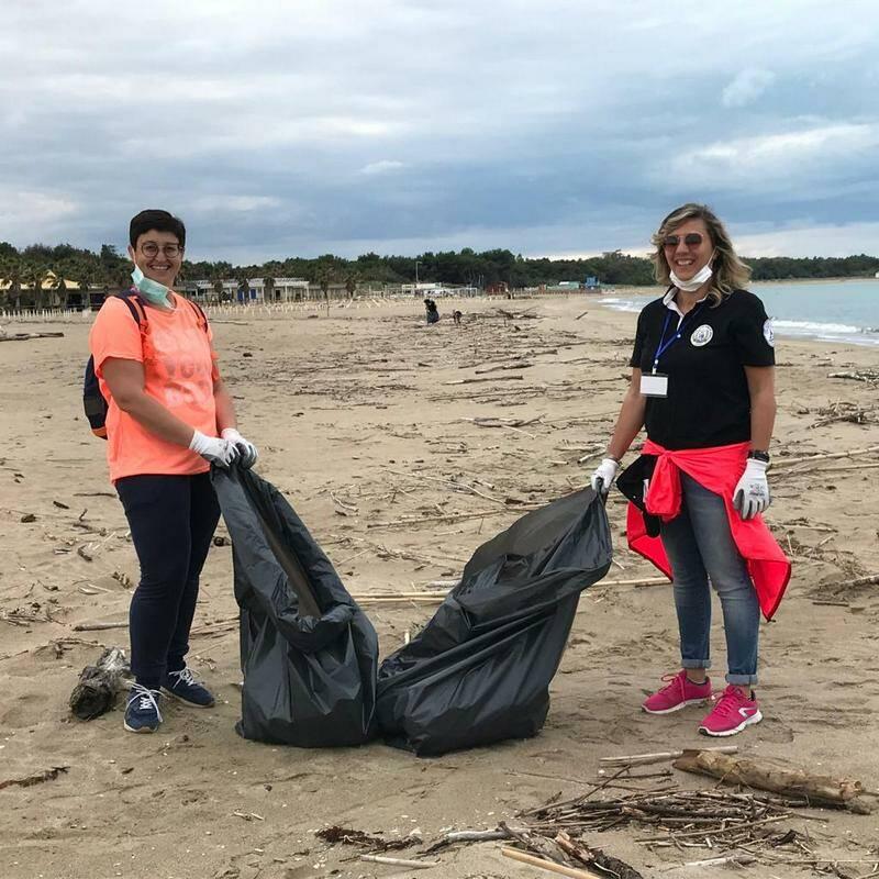 Clean saturday pulizia rifiuti Campomarino