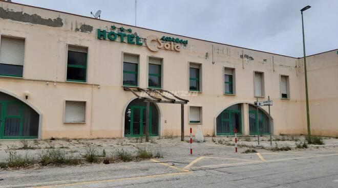 Ex cooptur albergo Petacciato