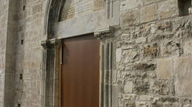 porta cattedrale guardialfiera