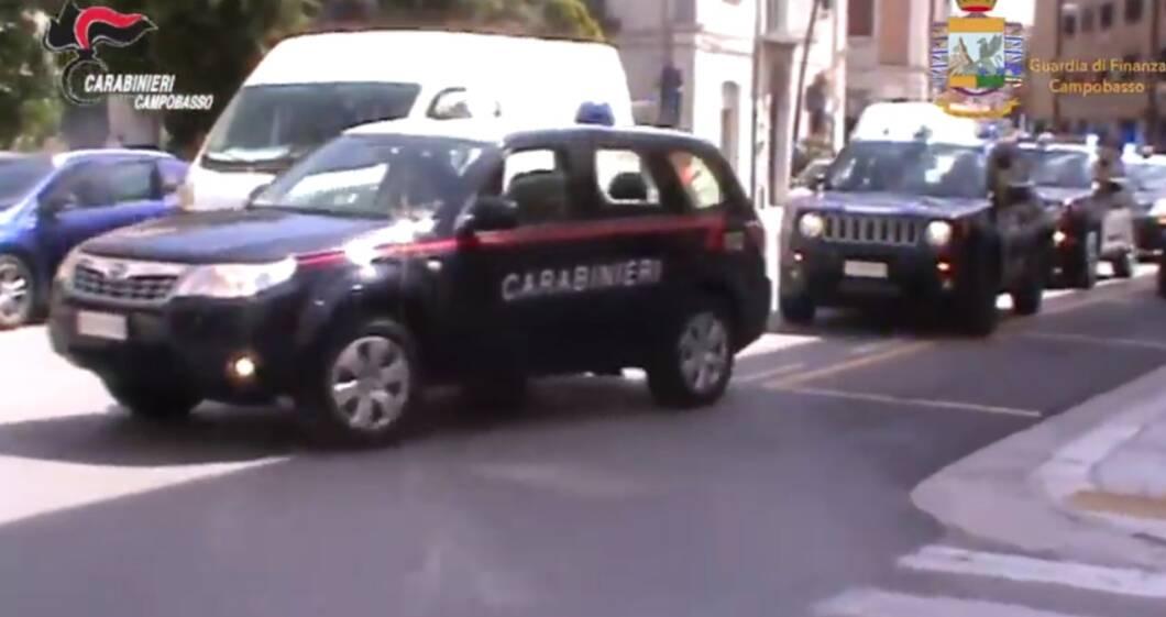 piazza pulita immagini video droga procura campobasso clan molise