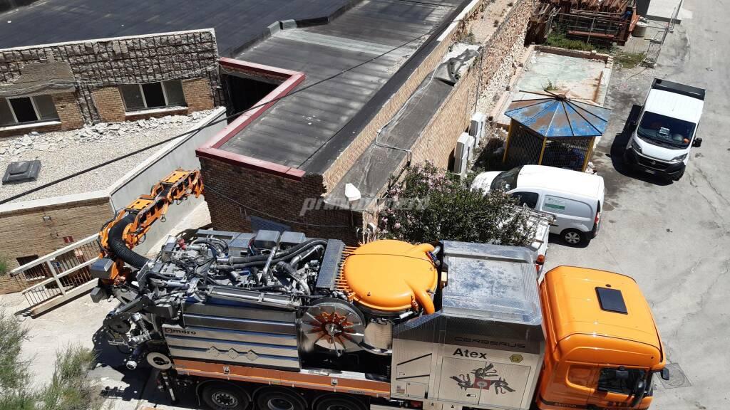 Autospurgo camion depuratore liquami porto Termoli Sida