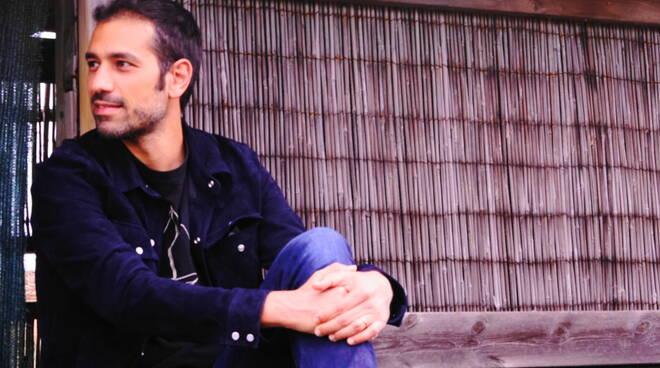 """""""Dentro gli occhi di Clint"""" è il nuovo singolo del cantautore termolese Potena"""