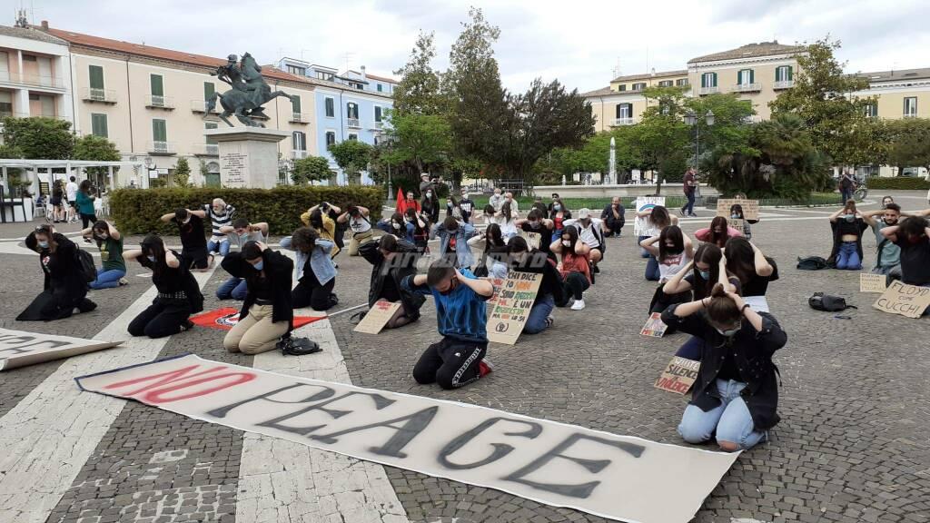 Campobasso flashmob Floyd