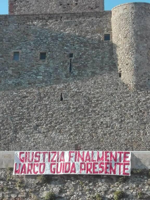 striscione Marco Guida ultras Castello