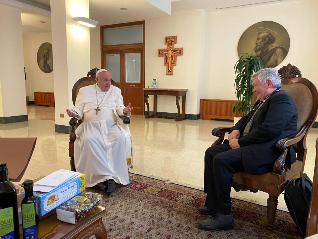 Il vescovo De Luca con il Papa