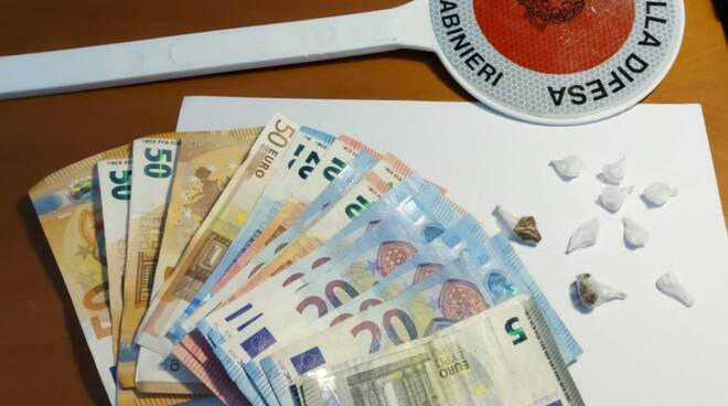 carabinieri droga e soldi