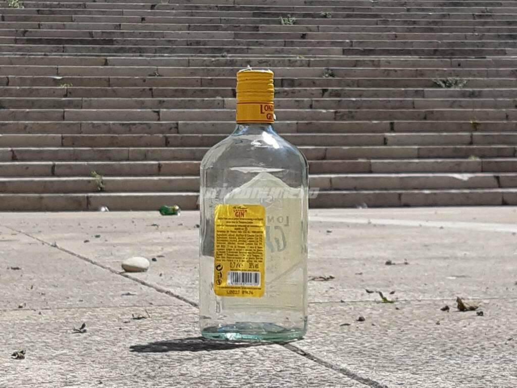 Gin alcol scalinata folklore termoli bere