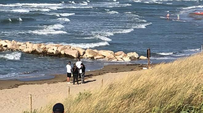 annegamento spiaggia libera termoli passerella