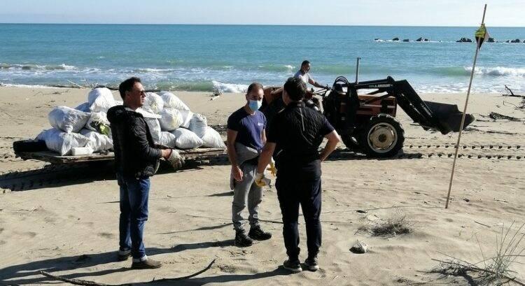 pulizia spiaggia campomarino